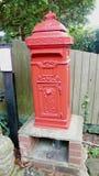 Gammal stolpeask i Sussex royaltyfri bild