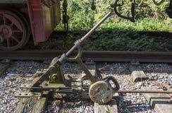 Gammal strömbrytare för järnvägspår Royaltyfri Foto