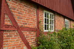 Gammal stuga för röd tegelsten Fotografering för Bildbyråer