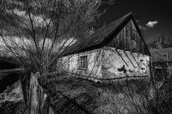 Gammal stuga i Tjeckien Fotografering för Bildbyråer