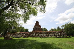 Gammal stupa Royaltyfri Fotografi