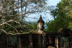 Gammal Sukhothai Buddha Royaltyfri Bild