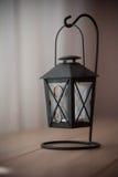 gammal tabell för svart stearinljuslampa Royaltyfria Foton