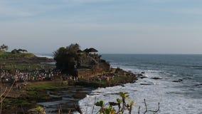 Gammal Tanah lotttempel i Tabanan, Bali arkivfilmer