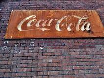 Gammal tappning Coca Cola Sign Arkivbilder