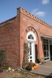 gammal tegelstenbyggnad Fotografering för Bildbyråer