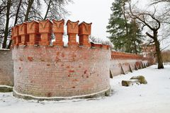 Gammal tegelstenvägg i frost Pushkin, Tsarskoe Selo Royaltyfri Foto