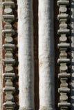 Gammal tegelstenvägg med två kolonner Royaltyfria Bilder
