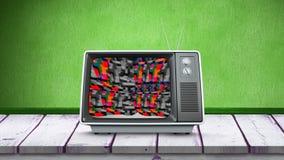 Gammal television och färgrik statisk elektricitet stock video