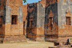 Gammal tempel för forntida tegelstenbrunt Fotografering för Bildbyråer