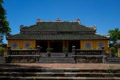 Gammal tempel i den imperialistiska staden, ton royaltyfria bilder
