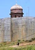 Gammal tempel på banken av den chambal floden Arkivbild