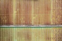 Gammal textur för tak för metallark Arkivbilder