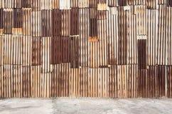 Gammal textur för tak för metallark Arkivbild