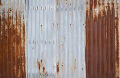 Gammal textur för tak för metallark Royaltyfri Bild