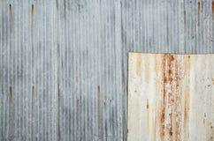 Gammal textur för tak för metallark Modell av det gamla metallarket Royaltyfria Foton