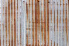 Gammal textur för tak för metallark Modell av det gamla metallarket Arkivfoton