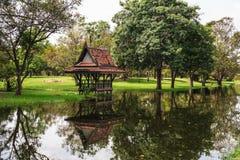 Gammal thailändsk stuga Royaltyfri Foto