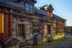 gammal timmer för hus Arkivbilder