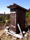 gammal toalett för berg Arkivbilder