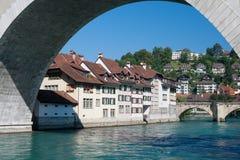Gammal town av Bern och den Aare floden Arkivfoton