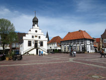 Gammal townhall i Lingen i Tyskland arkivbild