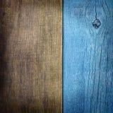 Gammal träbakgrund av två bräden arkivfoton