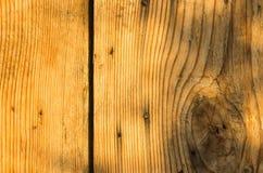 Gammal träbakgrund med skrapor royaltyfria foton