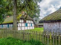 Gammal träbondgård i Kluki, Polen Fotografering för Bildbyråer