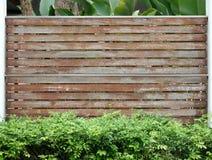 Gammal träbrun staketvägg Fotografering för Bildbyråer