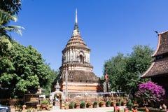 Gammal träkyrka av Wat Lok Molee fotografering för bildbyråer
