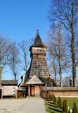 Gammal träkyrka i Debno, Polen Arkivfoton