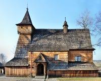 Gammal träkyrka i Debno, Polen fotografering för bildbyråer
