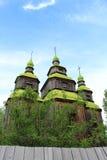 """Gammal träkyrka i Ukraina, var den första fasa""""Viy""""en filmades Royaltyfri Fotografi"""