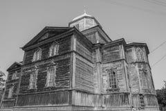 Gammal träortodox kyrka i Pobirka nära Uman - Ukraina, Europ Arkivfoton