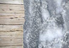 Gammal träpir på is, abstrakt bakgrund Royaltyfria Foton