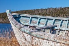 Gammal träroddbåt Royaltyfri Fotografi