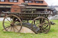 Gammal trävagn Arkivfoton