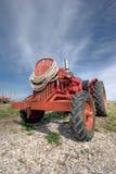 Gammal traktor Royaltyfria Bilder