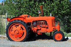 gammal traktor Royaltyfria Foton