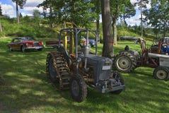 Gammal traktor (ferguson) Arkivbilder