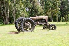 Gammal traktor på det tyska museet på Frutillar, Chile Arkivfoton