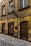 Gammal trasig vägggata Royaltyfri Fotografi