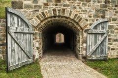 Gammal tunnel av stenen Royaltyfria Foton