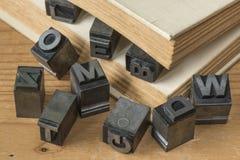 Gammal typ för ledningsfärgpulverprinting från ett bokprintingföretag Arkivbilder