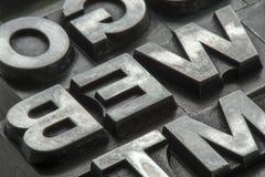 Gammal typ för ledningsfärgpulverprinting från ett bokprintingföretag Arkivfoton