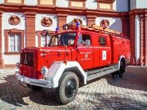 Gammal tysk brandkår bil- Magirus Deutz Arkivfoto