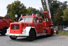 Gammal tysk brandkårbil Royaltyfri Fotografi