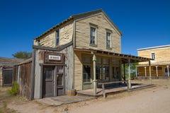 Gammal uppsättning för vilda västernstadfilm i Arizona arkivbilder