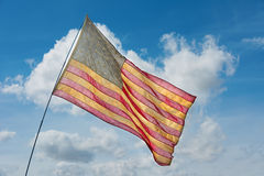 Gammal urblekt amerikanska flaggan Fotografering för Bildbyråer